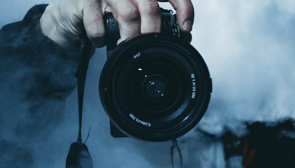 Fotógrafo envuelto en llamas